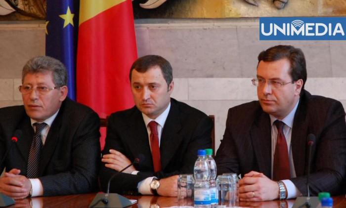 O nouă rundă de negocieri între PLDM, PD și PL. Ce declarații au făcut liderii de partid