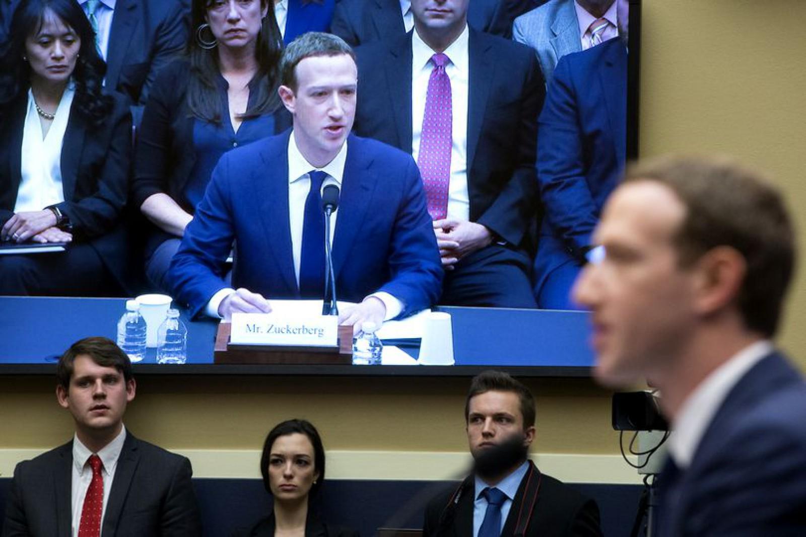 Parlamentul European i-a cerut lui Zuckerberg să se prezinte personal pentru a da declarații în scandalul Cambridge Analytica