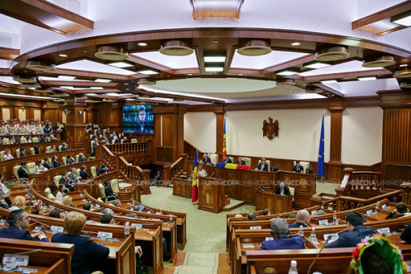 Parlamentul va prezenta mâine un proiect de hotărâre cu privire la situația creată după invalidarea alegerilor din Chișinău