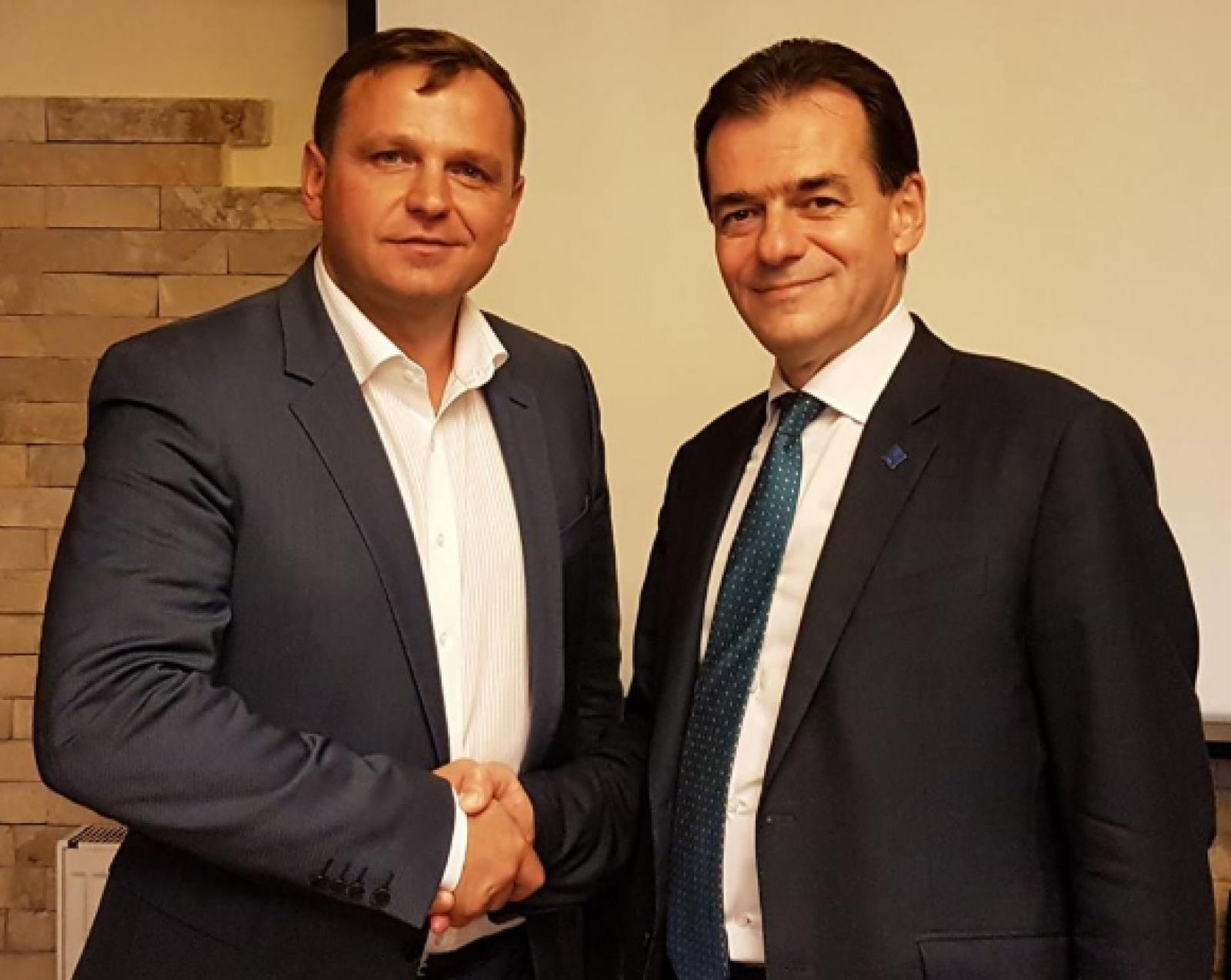 """Președintele PNL România, Ludovic Orban, salută victoria lui Andrei Năstase: """"Alături de aceşti noi lideri, Republica Moldova revine pe drumul natural european"""""""