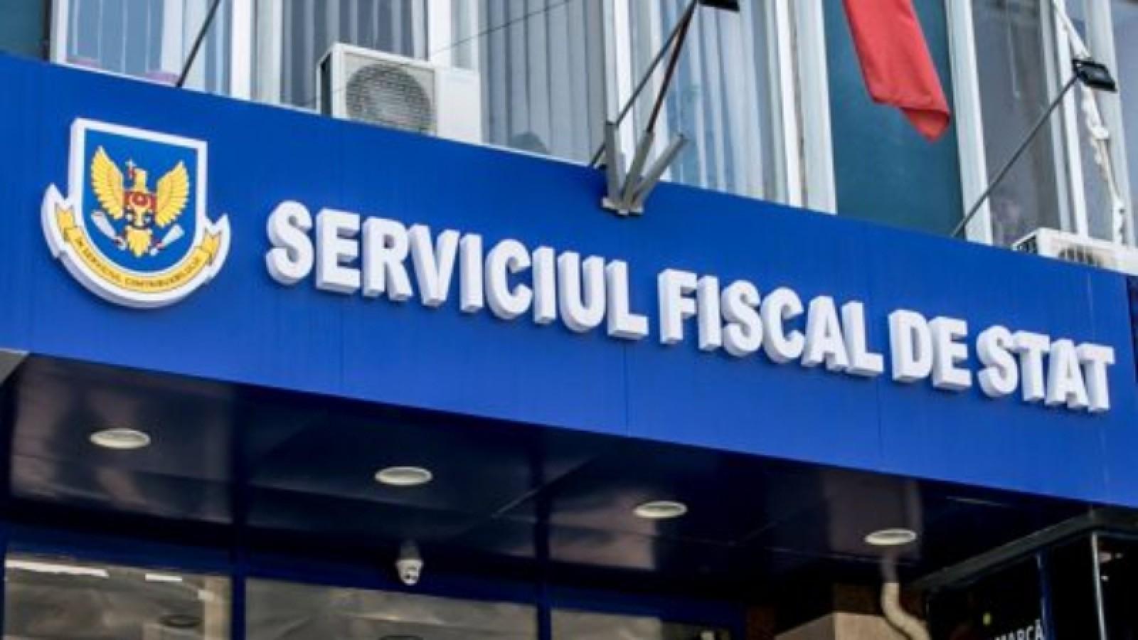 Persoana reținută în urma perchizițiilor de la Serviciul Fiscal de Stat a primit 30 de zile de arest