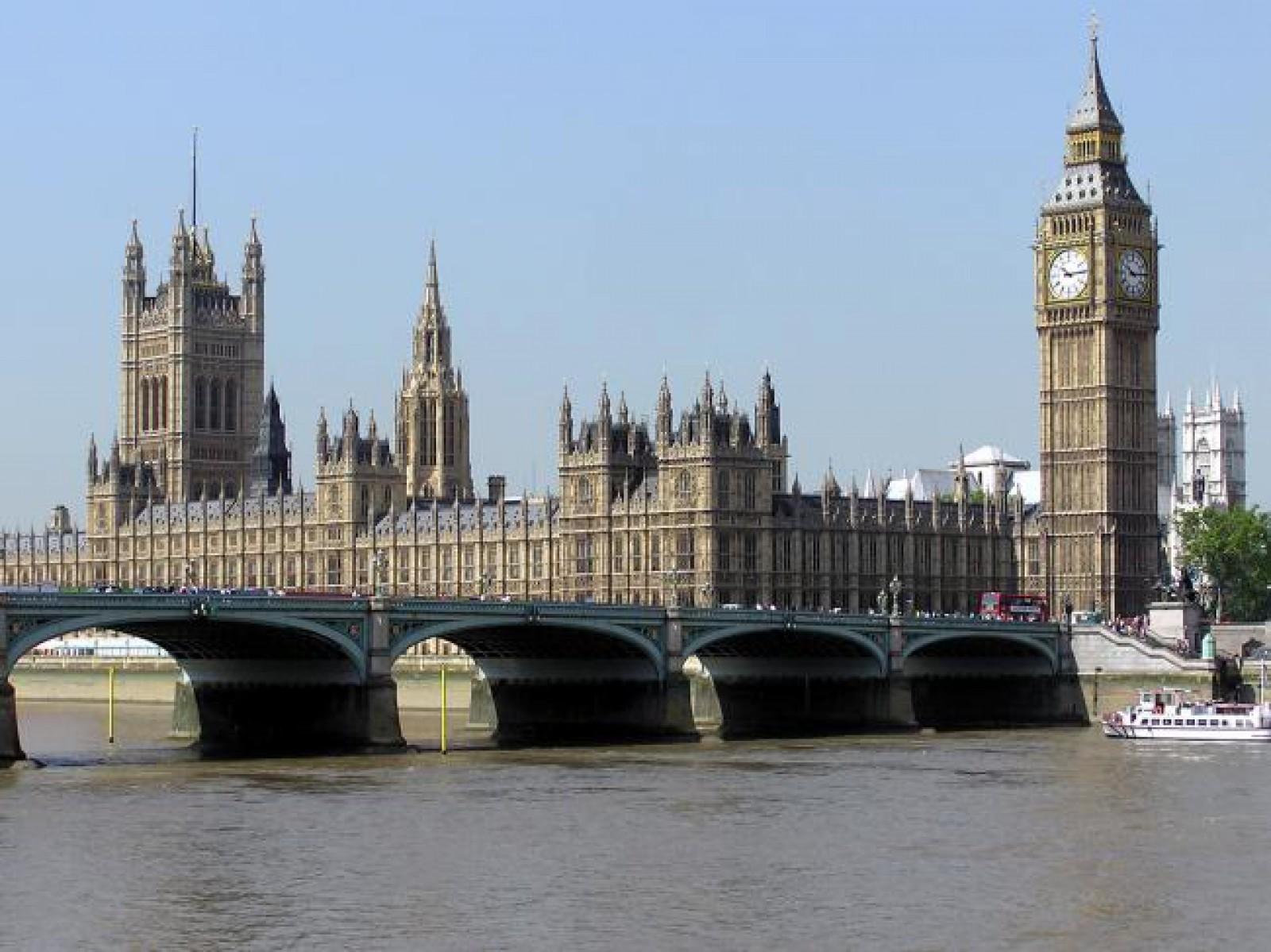 Peste 24.000 de încercări de accesare a site-urilor porno în Parlamentul Marii Britanii