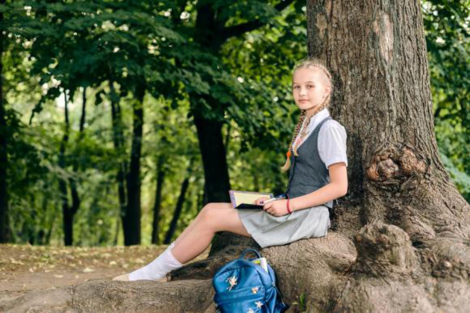 Peste 40 de şcoli din Anglia au interzis purtarea fustelor. Care este motivul