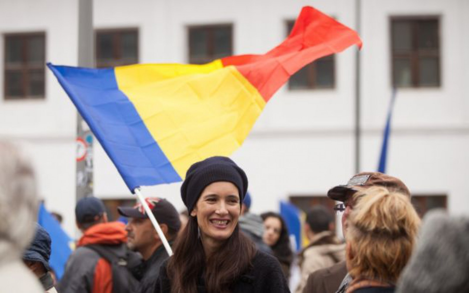 Prima școală din Moldova a votat o declarație de unire cu România. Gimnaziul din satul Bogzești a semnat documentul