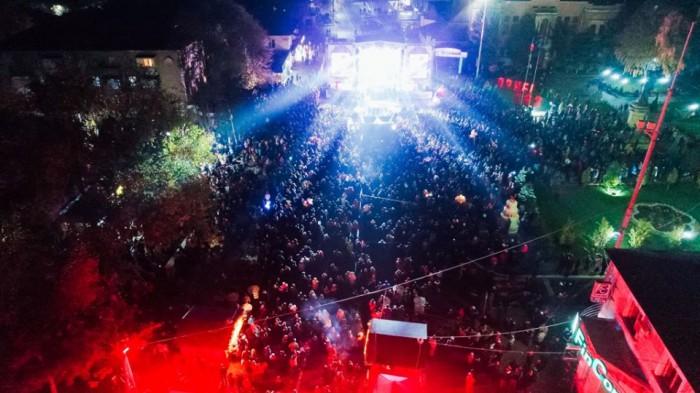 (foto) Primăria Orhei: Peste 25 mii de orheieni și oaspeți ai orașului au sărbătorit ieri pe melodiile Modern Talking şi artişti autohtoni