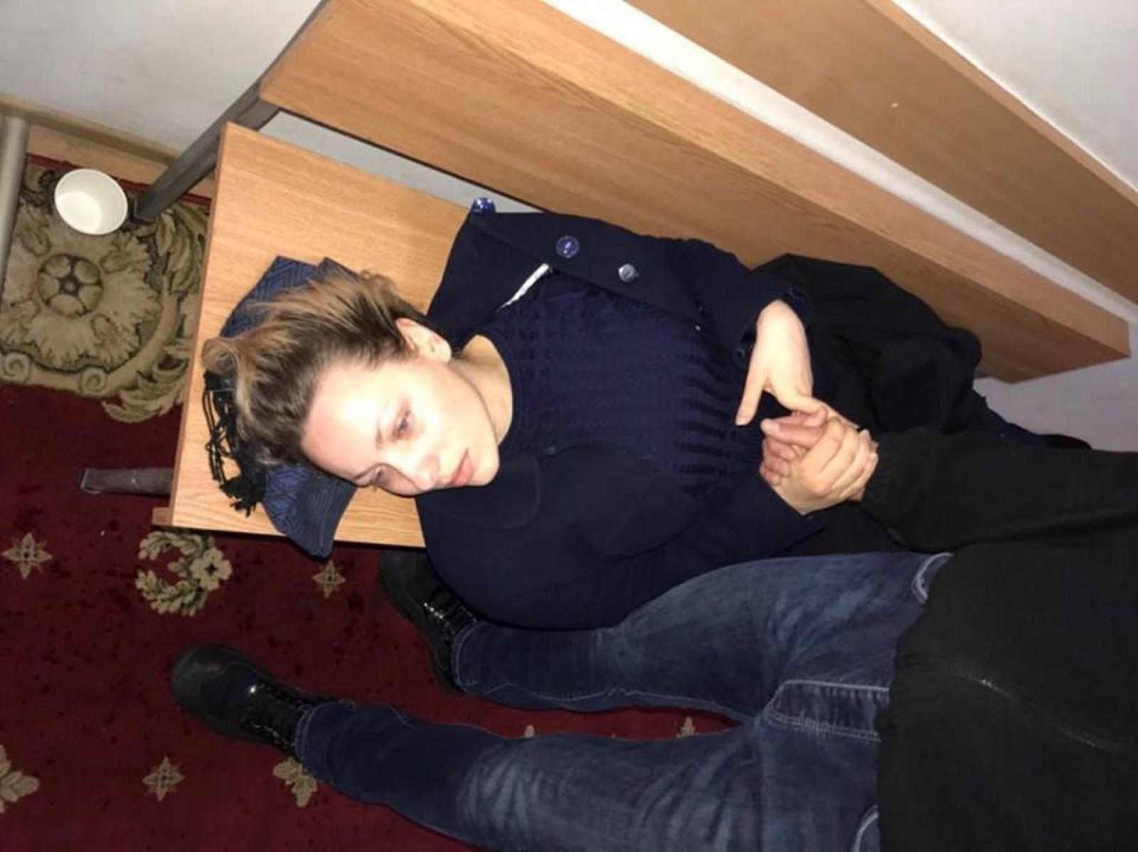 Imagini de groază cu primărița satului Ghelăuza la Judecătoria Buiucani: Nicoleta Malai a leșinat după 3 ore de proces într-un dosar intentat de CNA