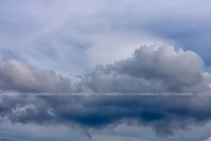 Prognoza meteo: Cer noros și maxime de până la 36 de grade Celsius