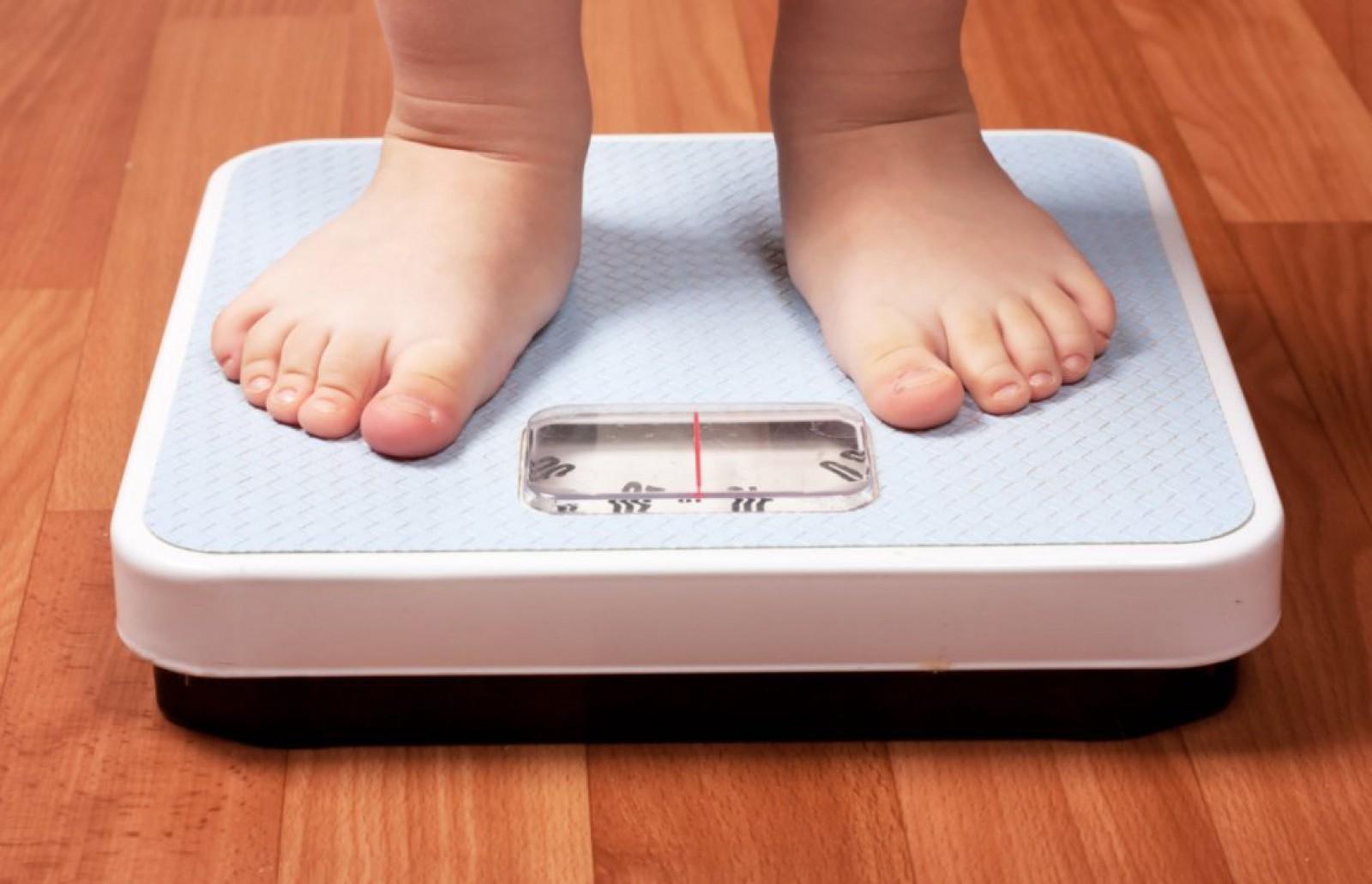 Obezitatea mărește riscul decesului din cauza COVID-19 cu aproape 50%