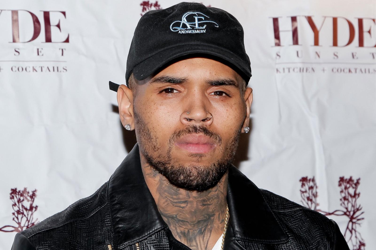 Rapperul Chris Brown a fost arestat la finalul unui spectacol