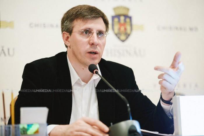 Reacția PL la refuzul CEC de a-l înregistra pe Dorin Chirtoacă ca participant la referendumul din noiembrie