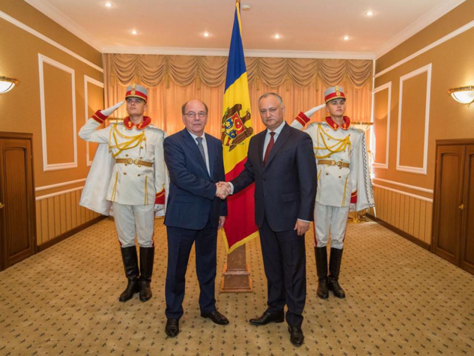 Rusia are un nou ambasador în Republica Moldova: Dodon a primit scrisorile de acreditare
