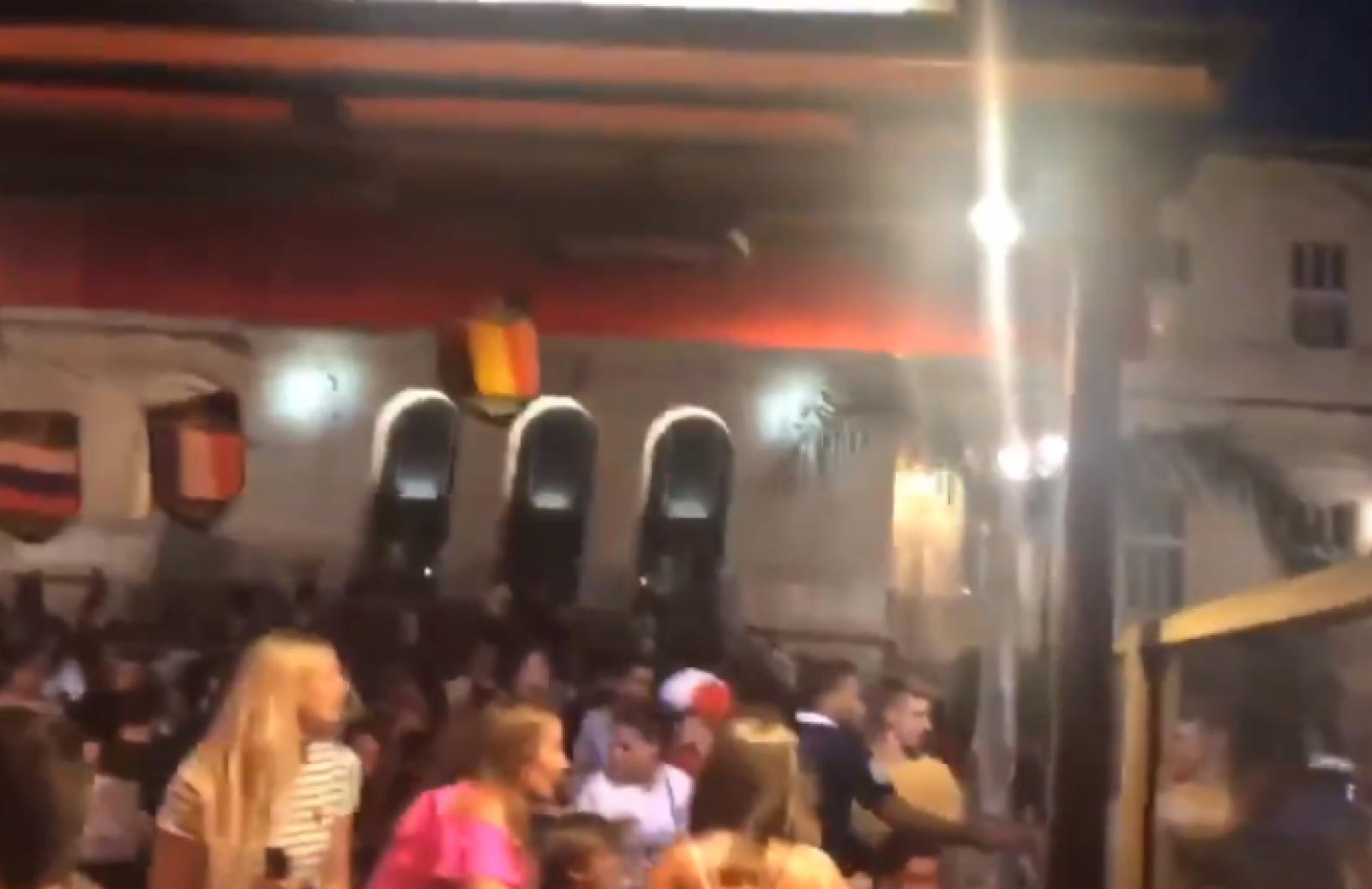Scene de panică în Franța din cauza unor petarde: Circa 30 de persoane, rănite în timpul semifinalei CM