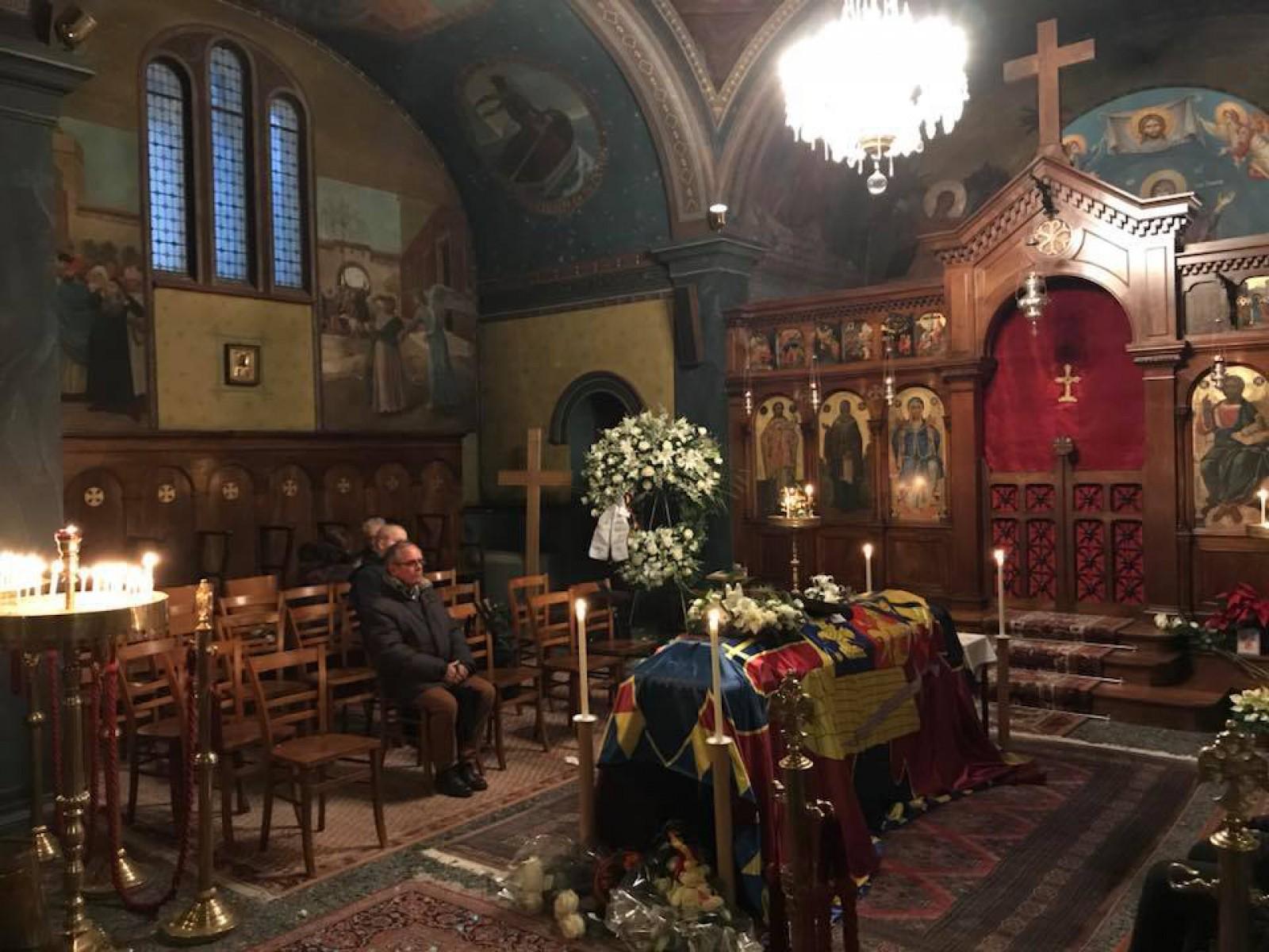 Sicriul Regelui Mihai, lăsat singur înainte și după slujba de la Biserica Ortodoxă din Lausanne: Nu am simţit niciodată atâta singurătate