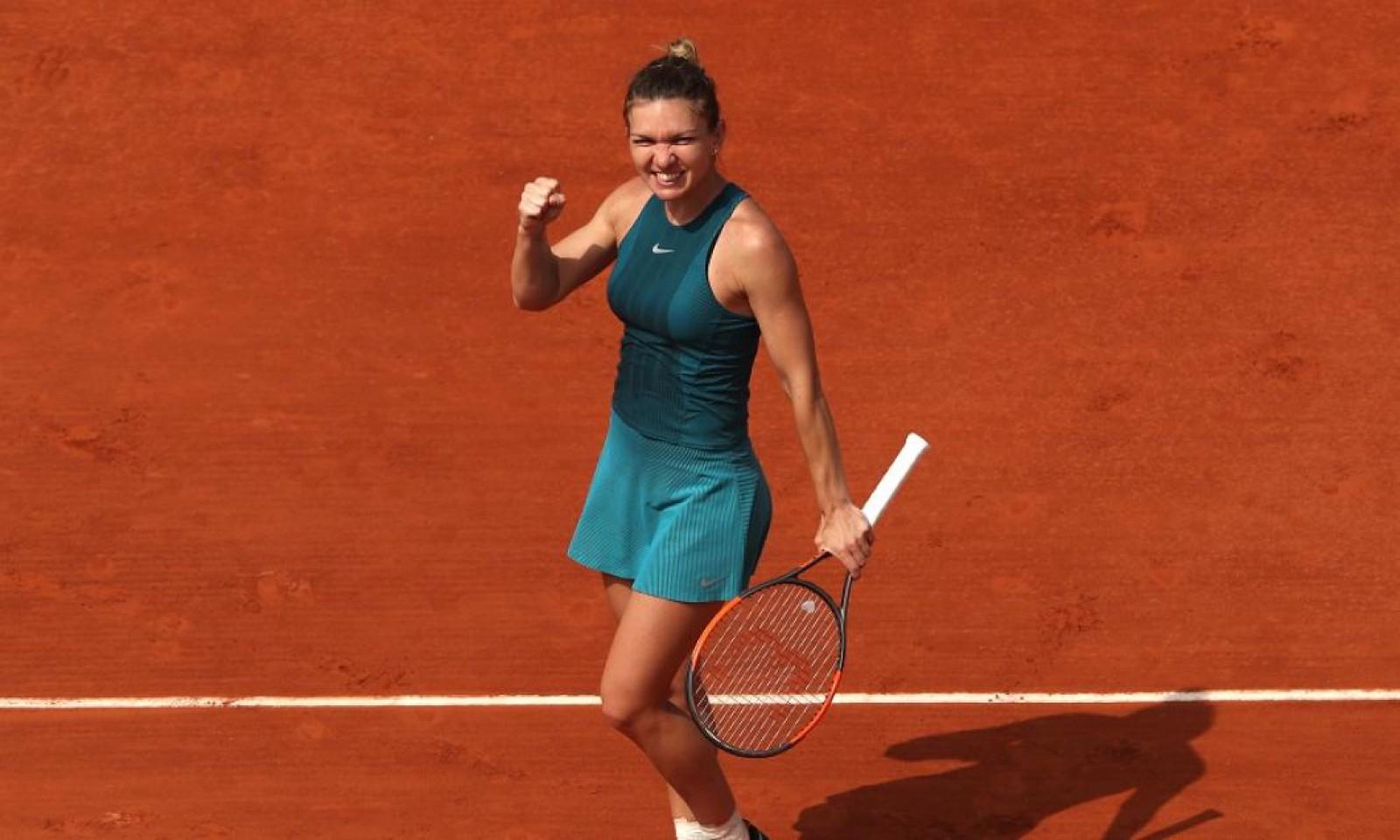 Simona Halep s-a calificat în finala de la Roland Garros! Constățeanca a învins-o în două seturi pe Garbine Muguruza