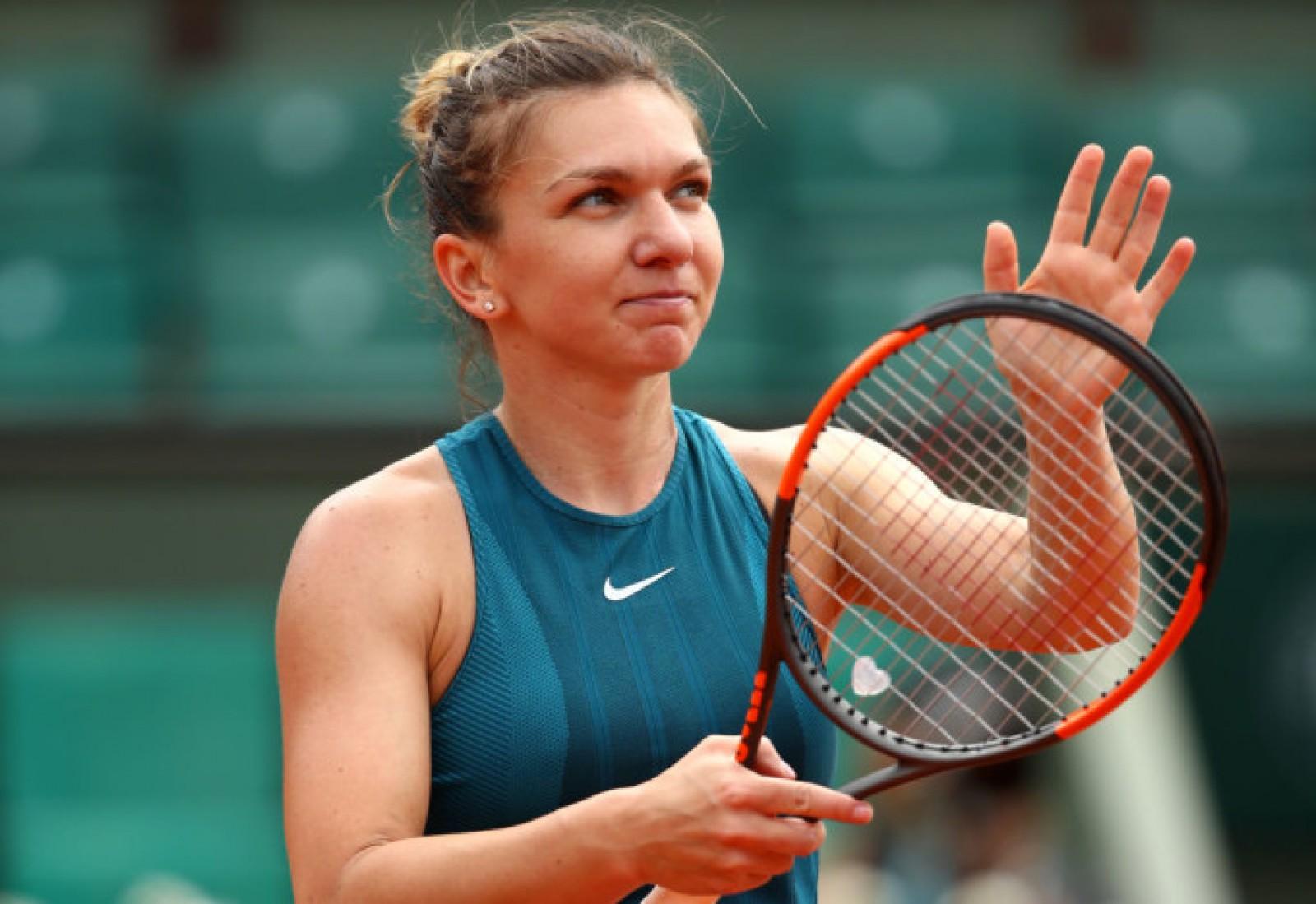 Simona Halep se califică în semifinala de la Roland Garros, după ce a învins-o pe Angelique Kerber
