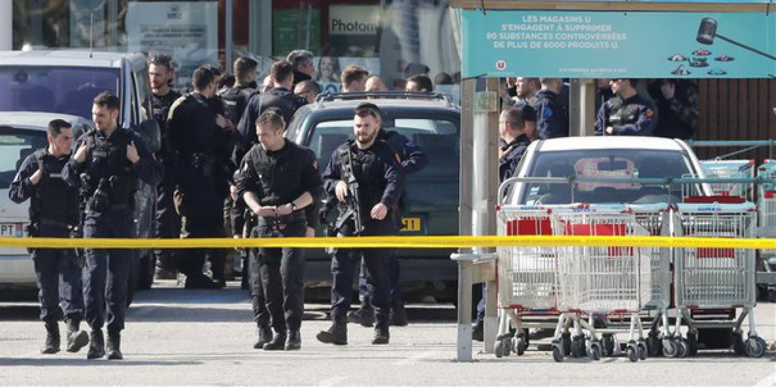 Simpatizanţi ai reţelei Stat Islamic care pregăteau un atentat, arestaţi în Franţa
