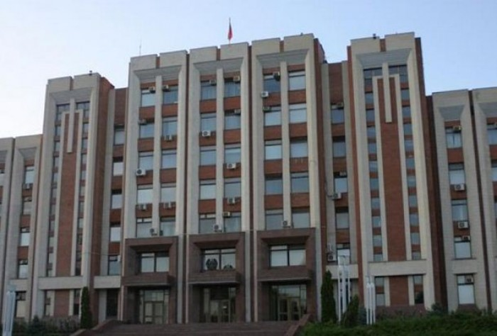 Noi provocări? Transnistrenii vor legi rusești