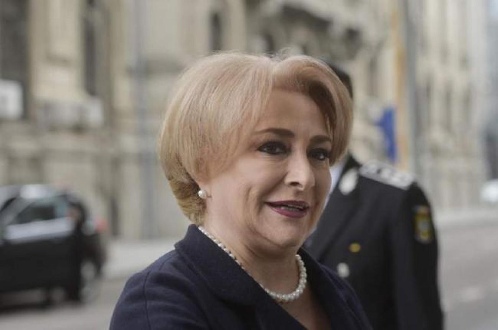 """(stop cadru) Premierul României gafează din nou. Vorbește despre ea la persoana a III-a și spune: """"Orice om îi este teamă de o plângere penală"""""""