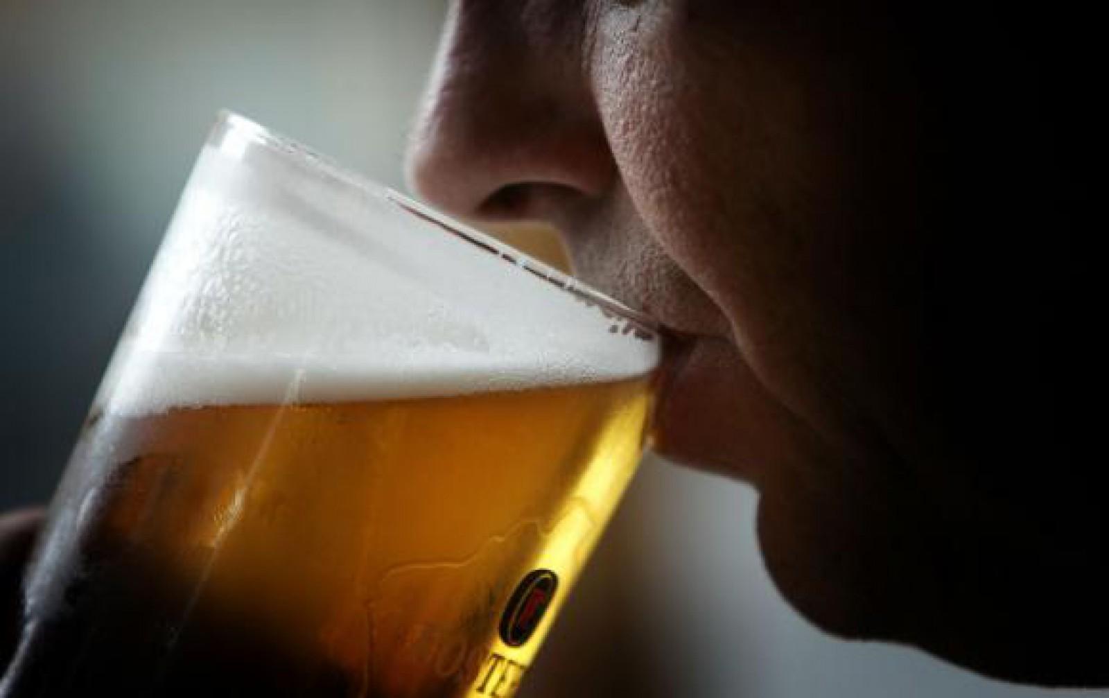 """Studiu: Berea, un """"medicament"""" mai eficient decât paracetamolul, dar consumată cu moderație"""