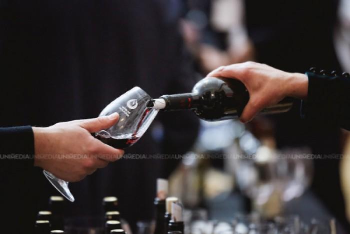 Studiu: Câte calorii are un pahar de vin?
