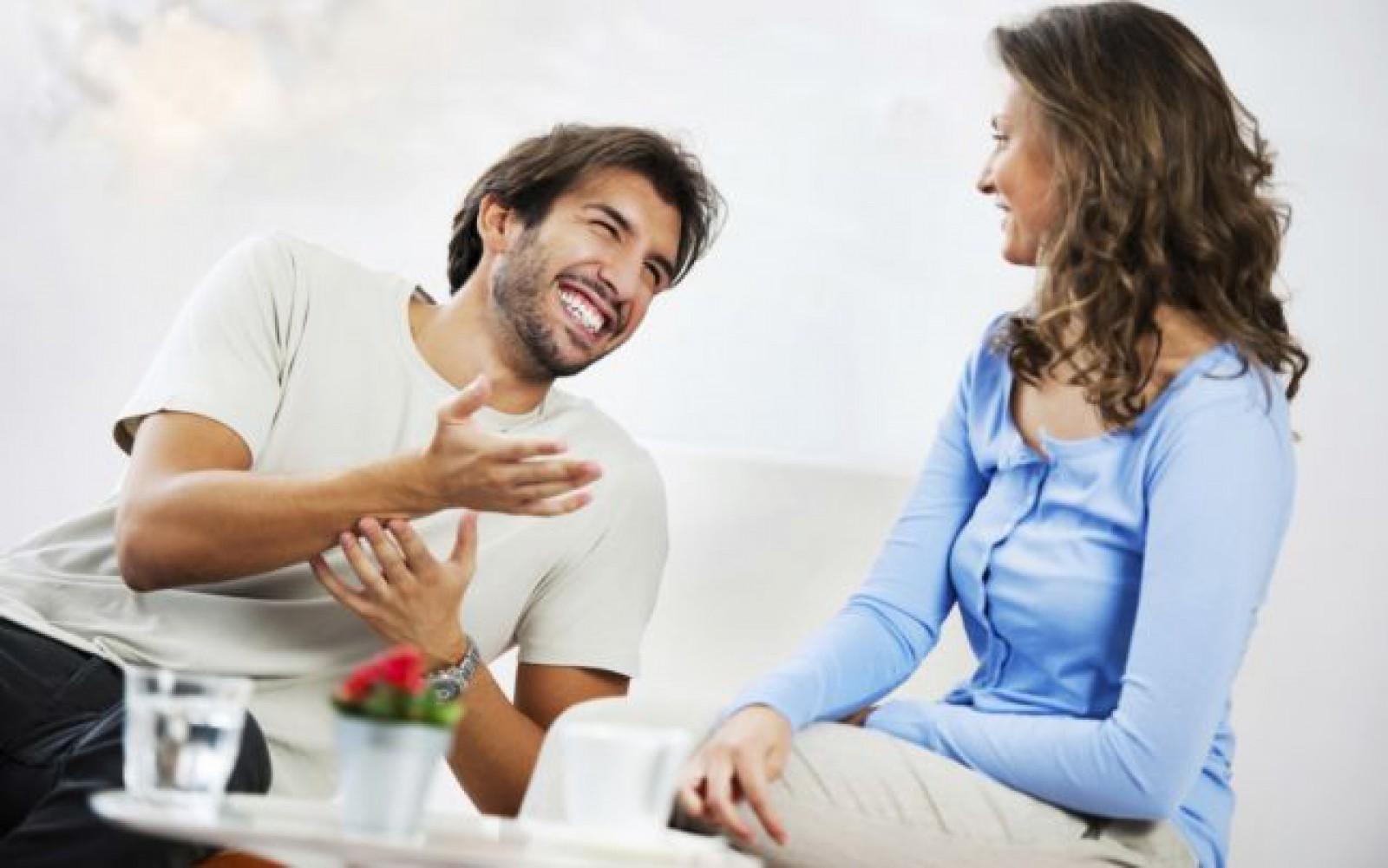 Studiu: Deşi are o reputaţie proastă, bârfitul este chiar bun pentru psihic
