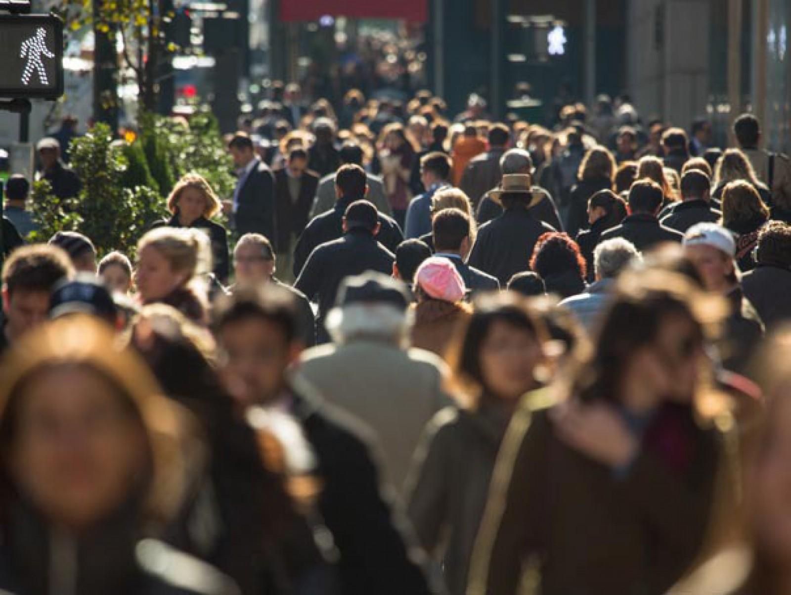 Studiu: Oamenii îşi petrec majoritatea timpului în 25 de locuri de-a lungul vieţii