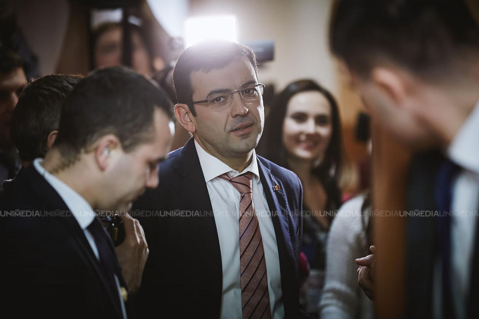 """(video) """"Tăcerea lui Gaburici"""": Cum fostul premier a fugit de presă la prima ședință a Guvernului din 2018"""