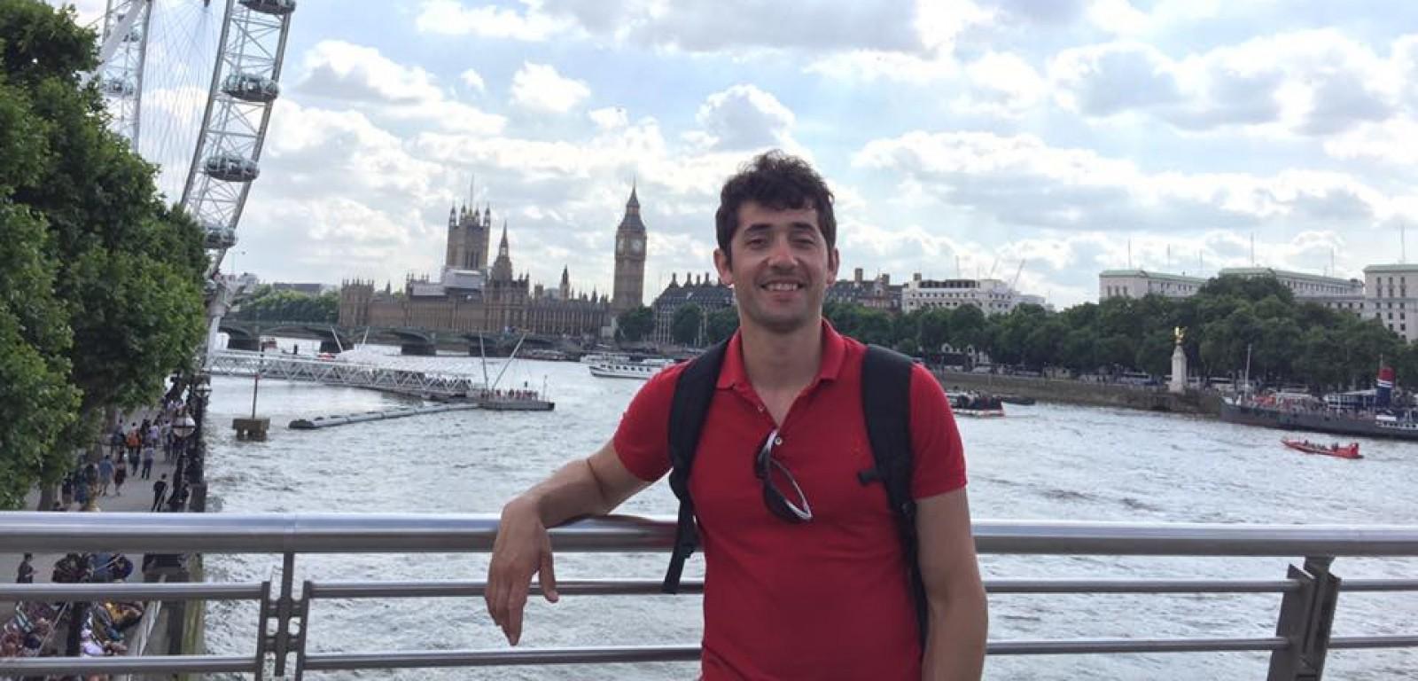 Tânăr cu studii în Marea Britanie: Să fim uniți împotriva sistemului de vot mixt