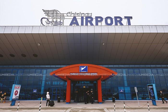 Tânărul din Turcia, reţinut pe Aeroportul Internaţional Chişinău cu un paşaport fals, riscă până la 5 ani de închisoare
