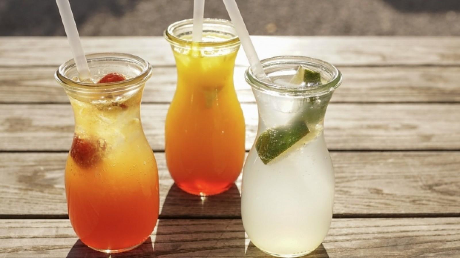 Top 10 cele mai sănătoase băuturi pentru vară: Cele mai naturale opţiuni pentru sezonul cald