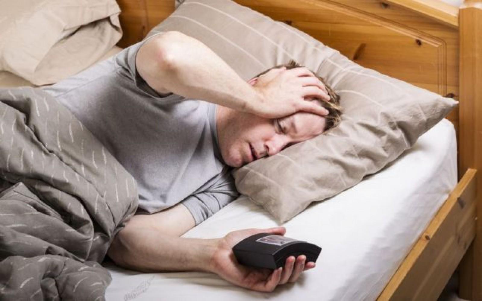 Topul alimentelor care perturbă somnul şi duc la agitaţie pe timpul nopţii
