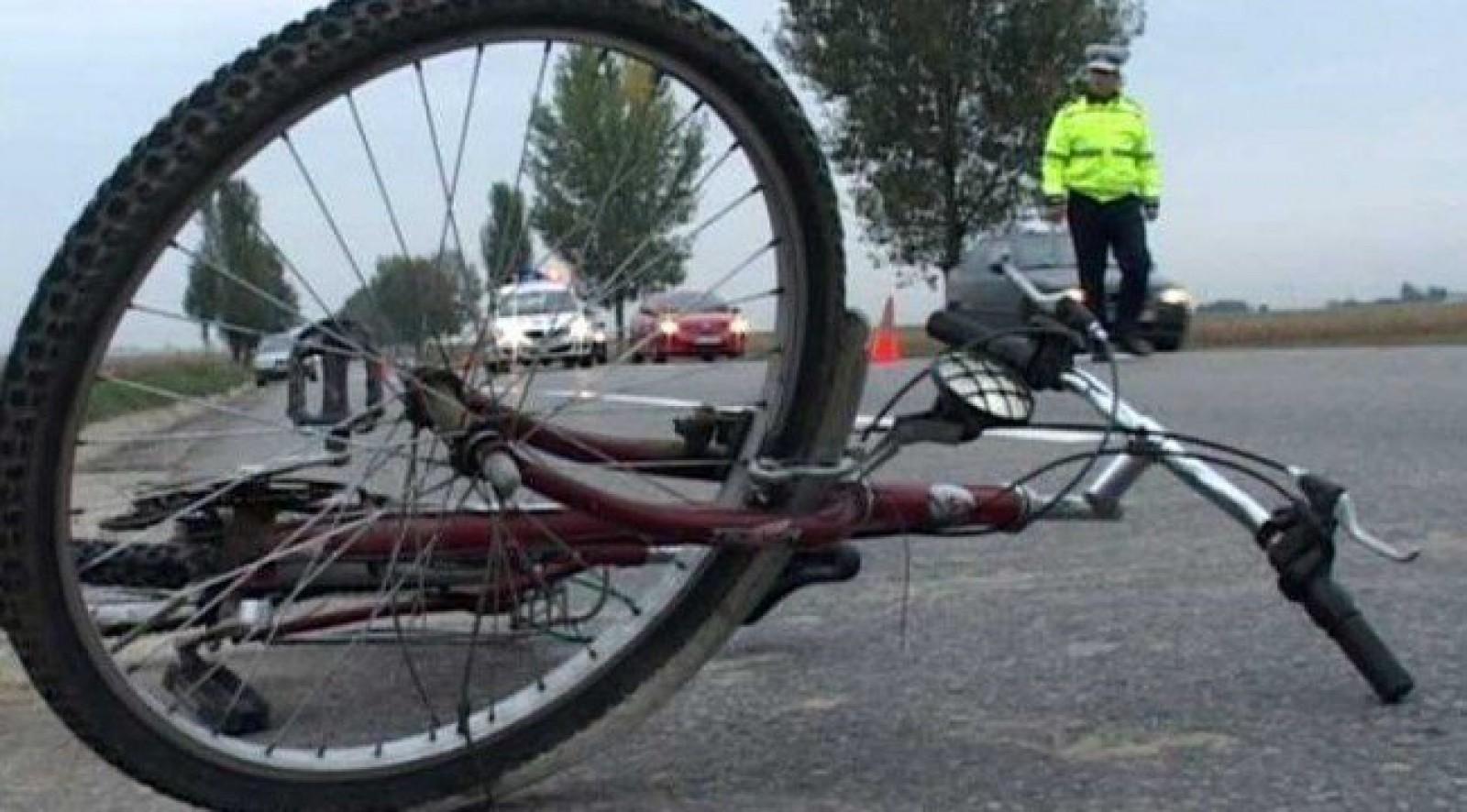 Tragedie pe traseul Chișinău-Soroca: Un biciclist a fost lovit mortal de un automobil