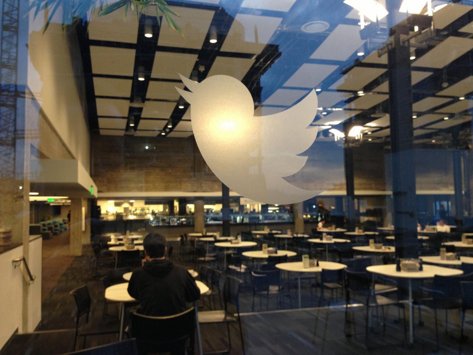 Twitter a suspendat 70 de milioane de conturi suspecte în două luni