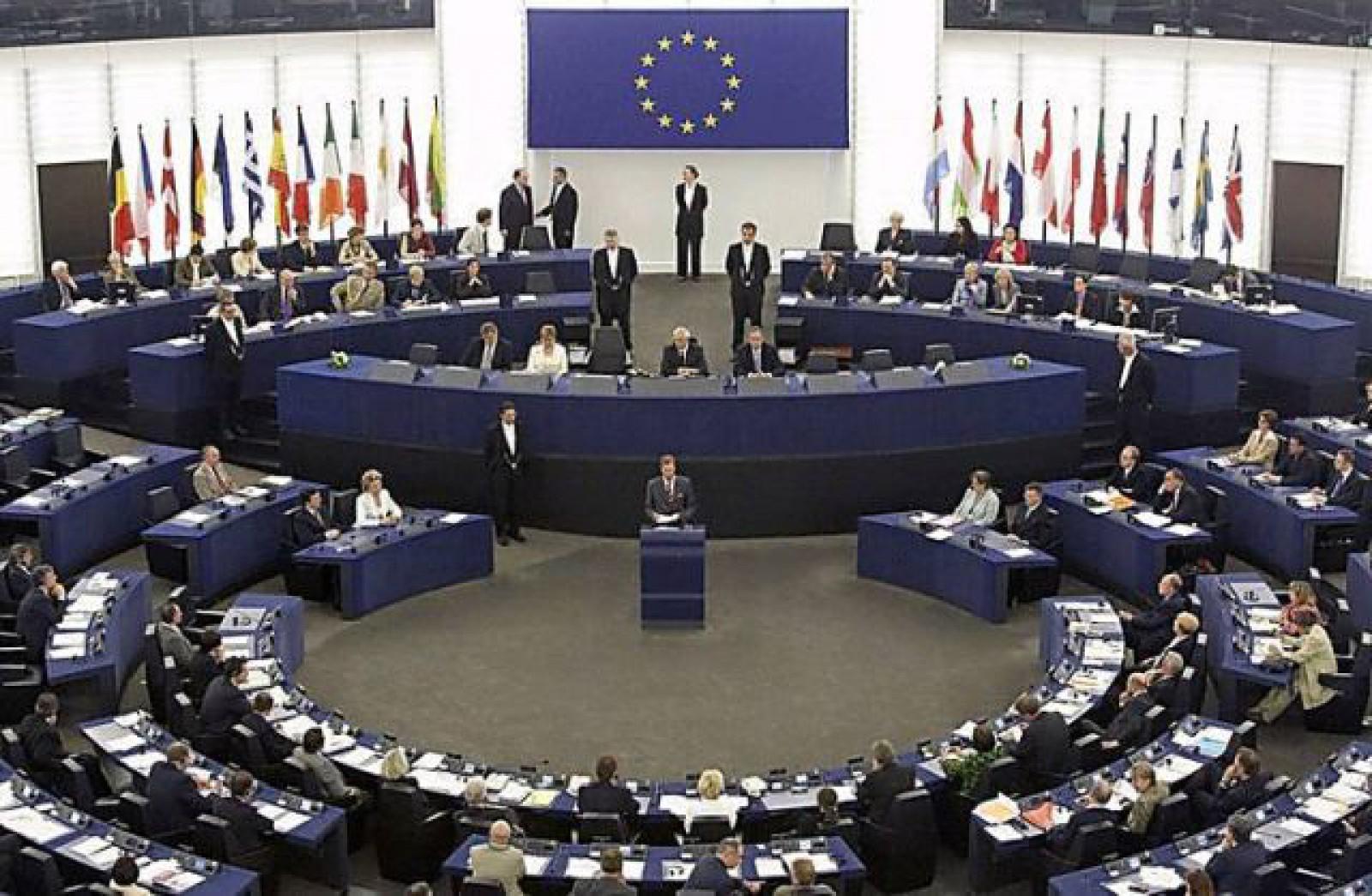 UE le declară război platformelor care distribuie ştiri false, înainte de alegerile europarlamentare
