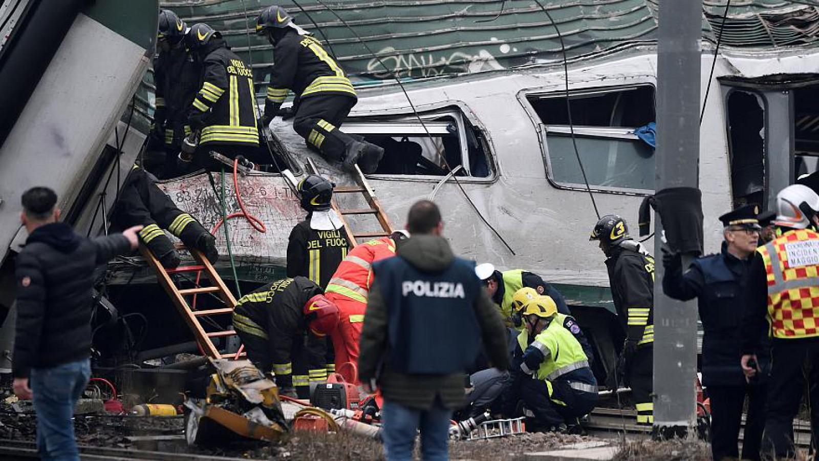 (foto/video) Ultima oră! Un tren a deraiat în apropiere de Milano. Cel puțin 3 persoane au decedat, peste 100 de răniți