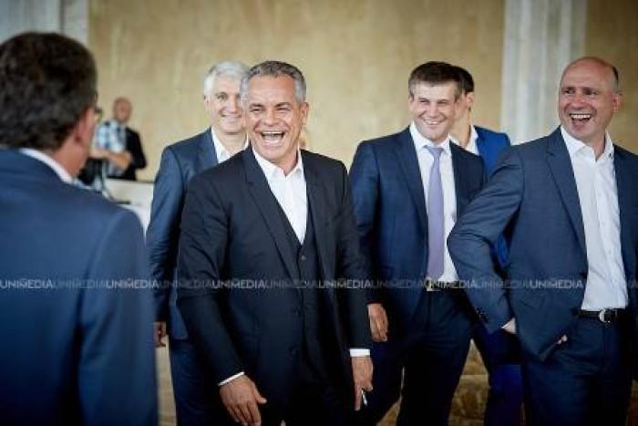 Ultima oră! Vladimir Plahotniuc se retrage din Parlament