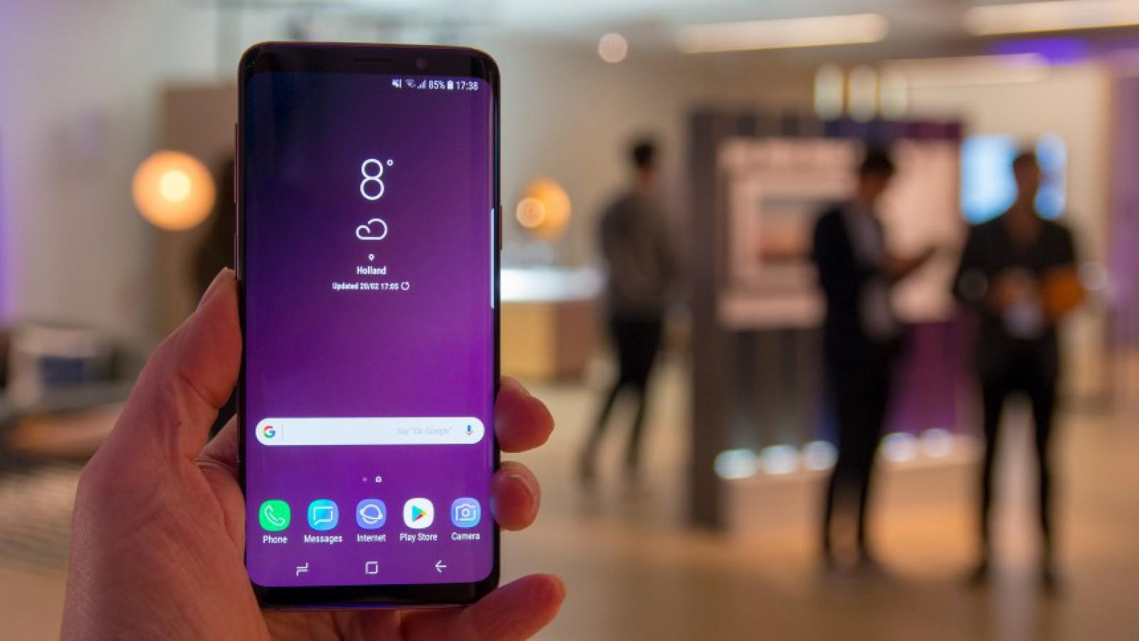 """Un analist spune că precomenzile pentru Galaxy S9 sunt """"dezamăgitoare"""""""