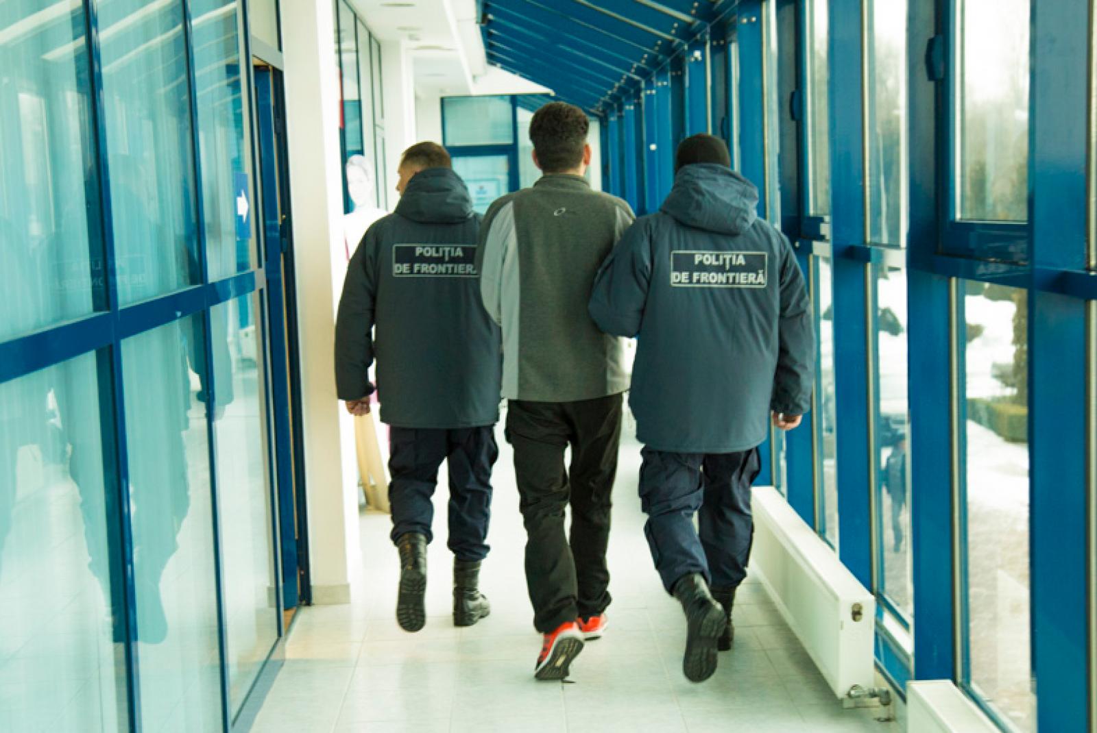Un cetățean rus, reținut pe Aeroportul din Chișinău: Era căutat de Interpolul din Elveția