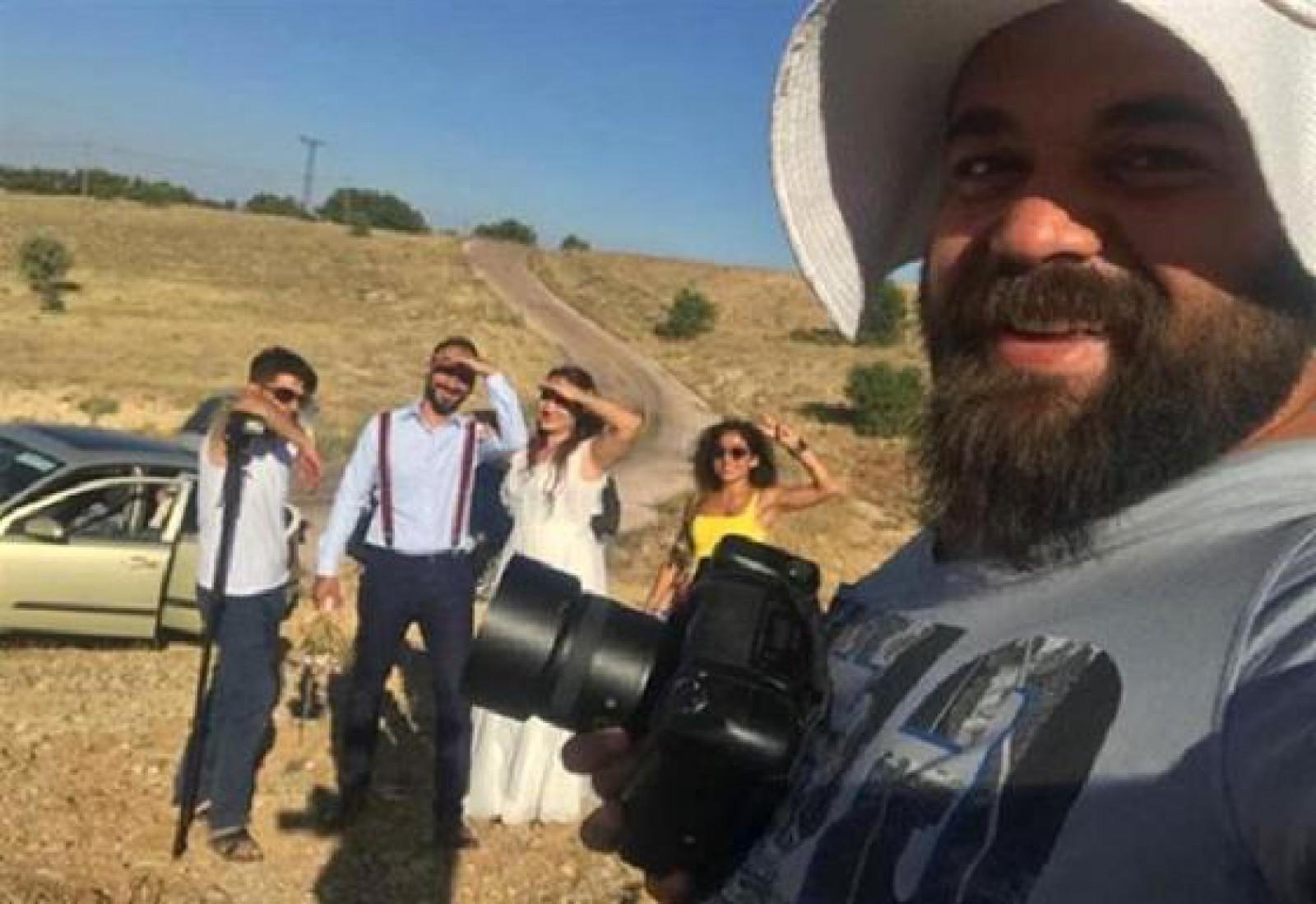 Un fotograf de nunţi l-a bătut pe mire după ce a aflat că mireasa este minoră