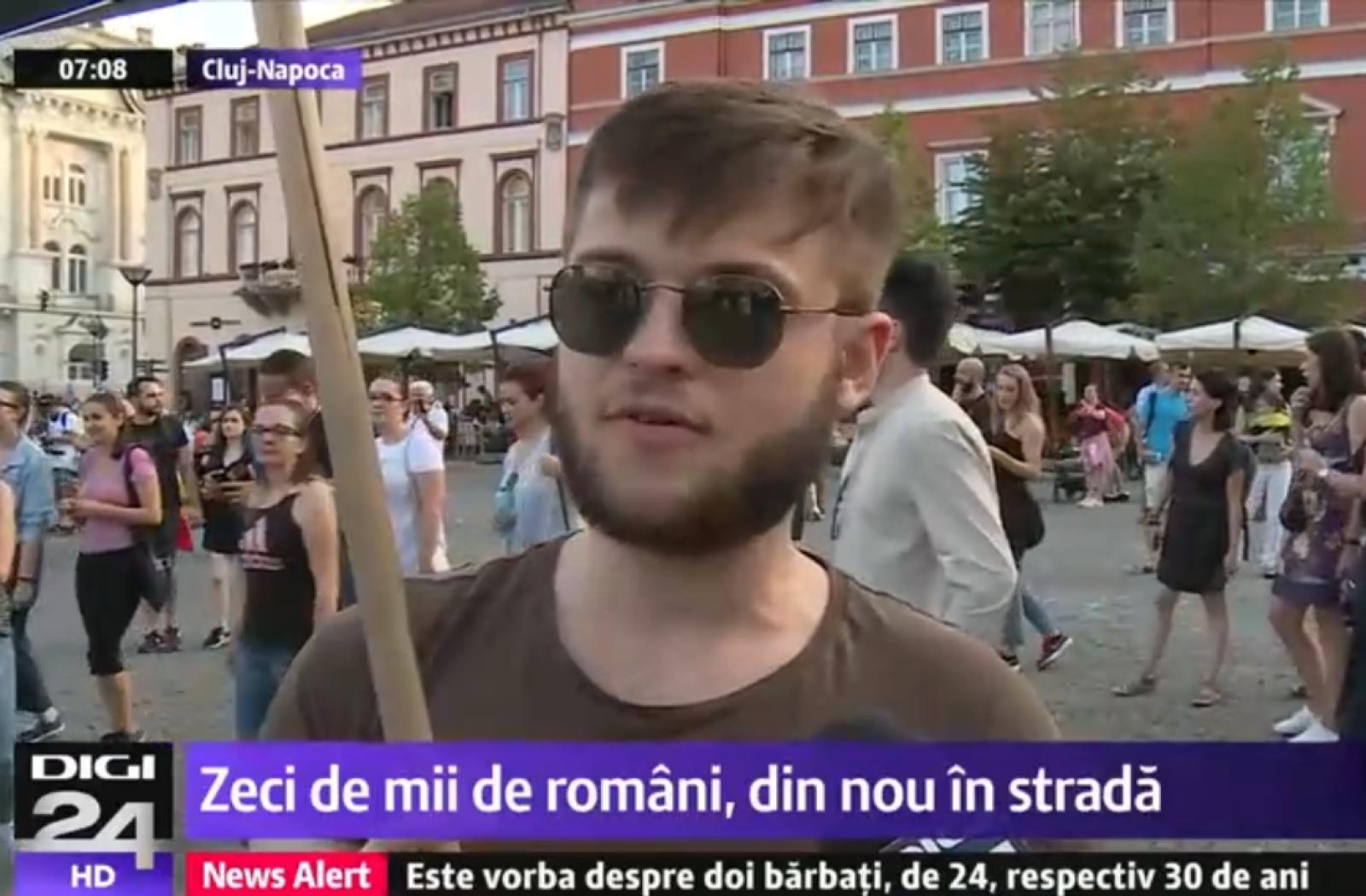 """Un moldovean, alături de protestele de la București: """"Înainte îmi era rușine de Moldova, acum mi-e rușine şi de România"""""""