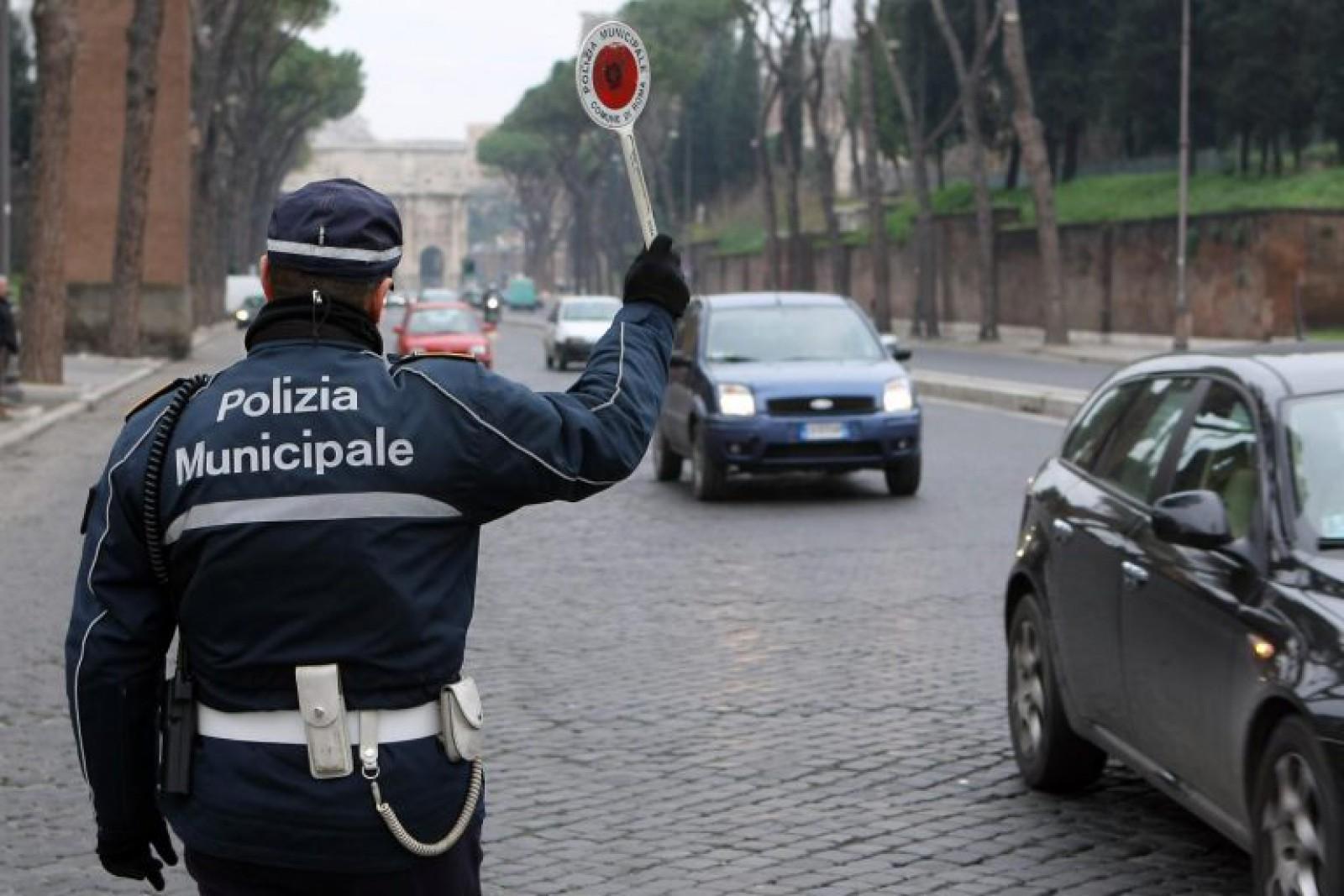 Un moldovean, care transporta colete, a fost amendat cu patru mii de euro în Italia
