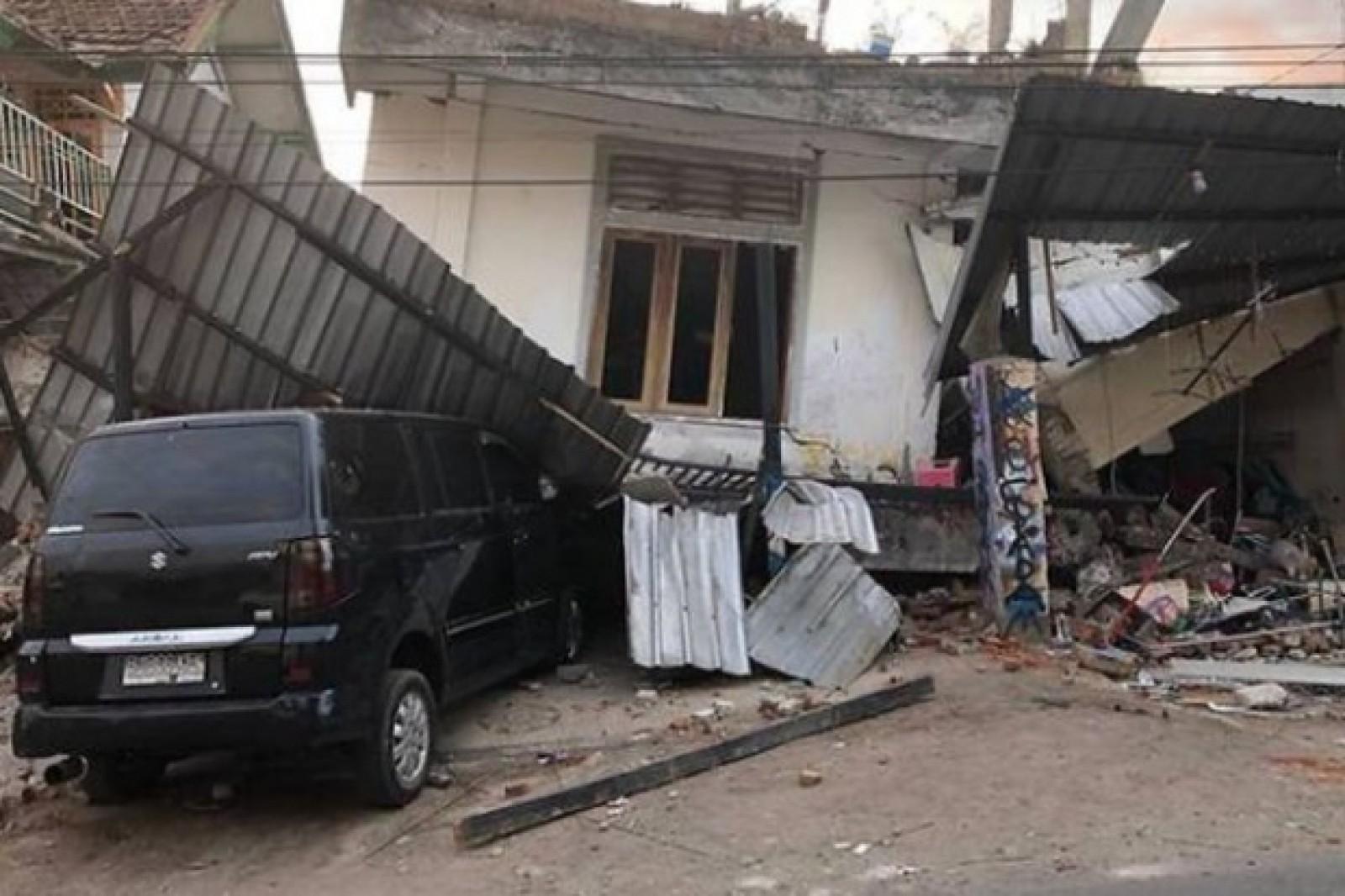 Un nou cutremur puternic a lovit insula Lombok din Indonezia
