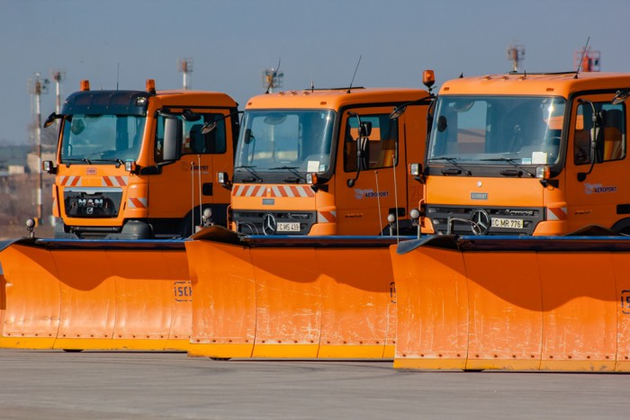 Utilajul de deszăpezire de ultima generație este gata de utilizare pe Aeroportul Chișinău