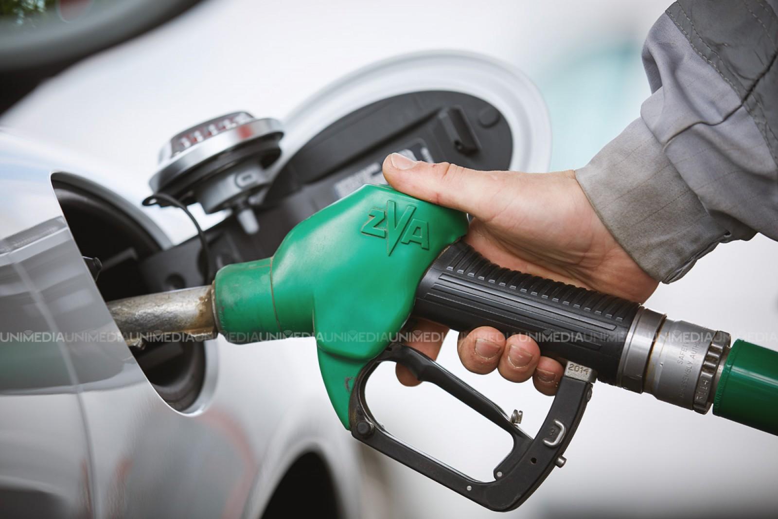 Veste bună pentru șoferi: Prețul la benzină și motorină se micșorează cu aproape un leu