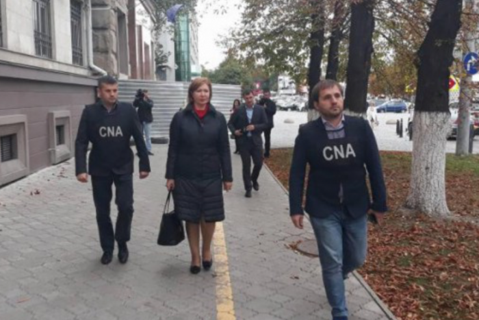 După ce a fost arestată în dosarul Spitalul Republican, viceministra Finanțelor Maria Cărăuș a fost suspendată din funcție