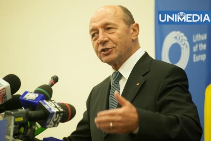 (vide) Băsescu: Armata transnistreană are 5.000 de militari bine instruiți
