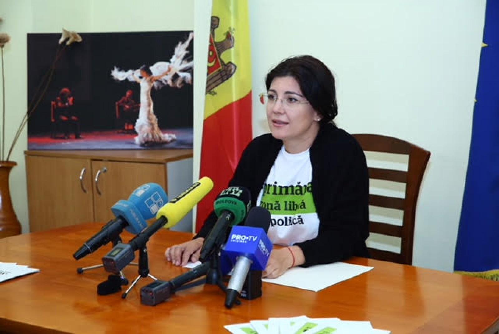 """(video) Adresarea Silviei Radu către alegători, în ultima zi de campanie: """"Și eu m-am plictisit de aceste promisiuni, regizate de partidele politice"""""""