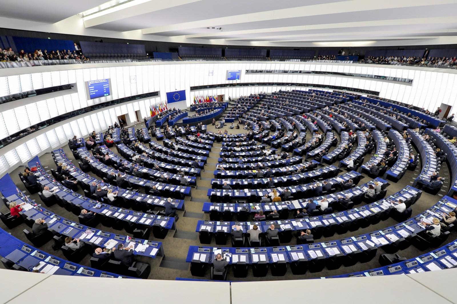 """(video) Andrei Popov: """"Sala goală"""" a Parlamentului European din timpul votării rezoluției este o campanie de manipulare"""