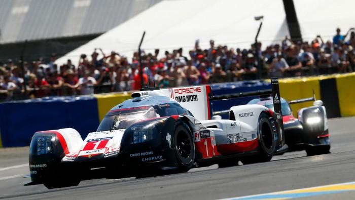 (video) Cele mai tari momente şi accidentele din cursa de 24 de ore de la Le Mans