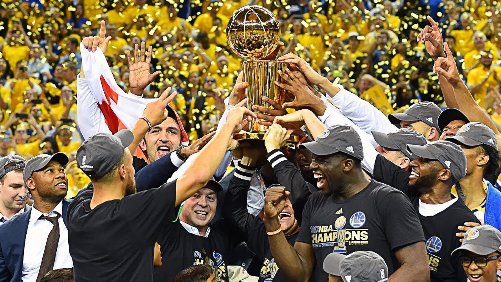(video) Golden State Warriors a câștigat din nou titlul în NBA! Kevin Durant și compania au surclasat-o pe Cleveland Cavaliers